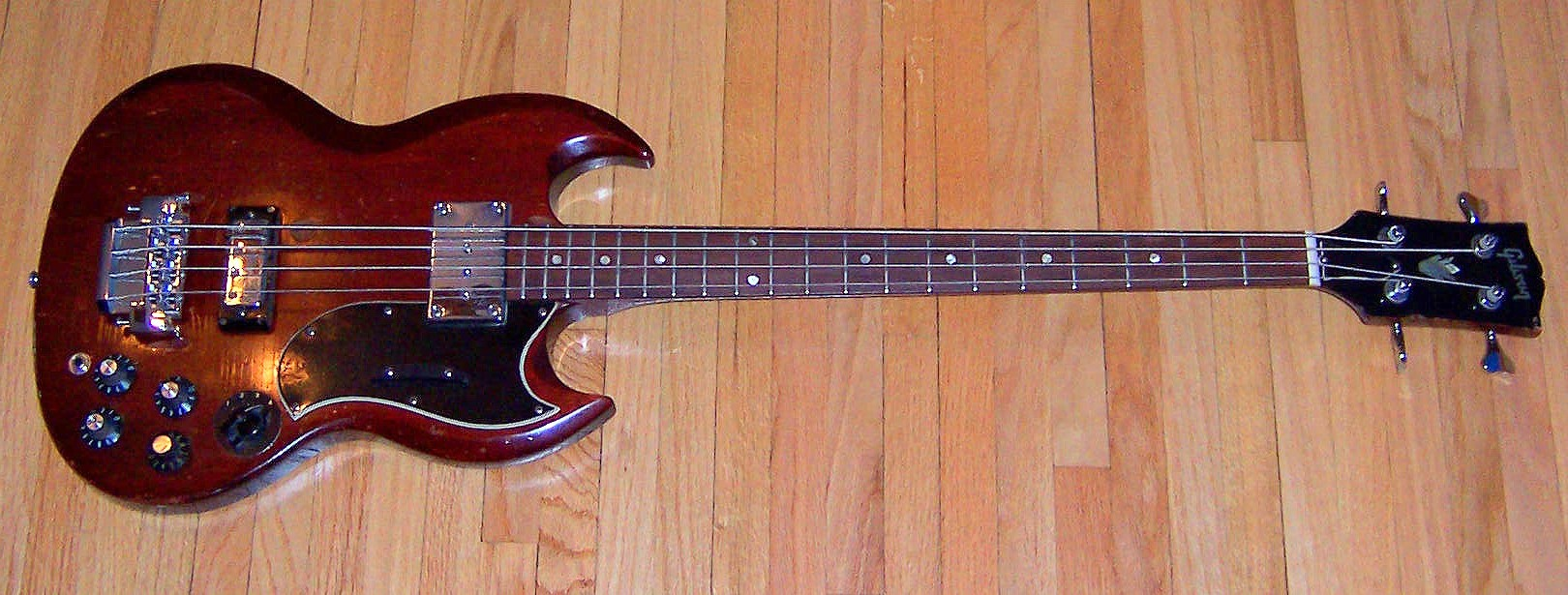 Gibson EB3