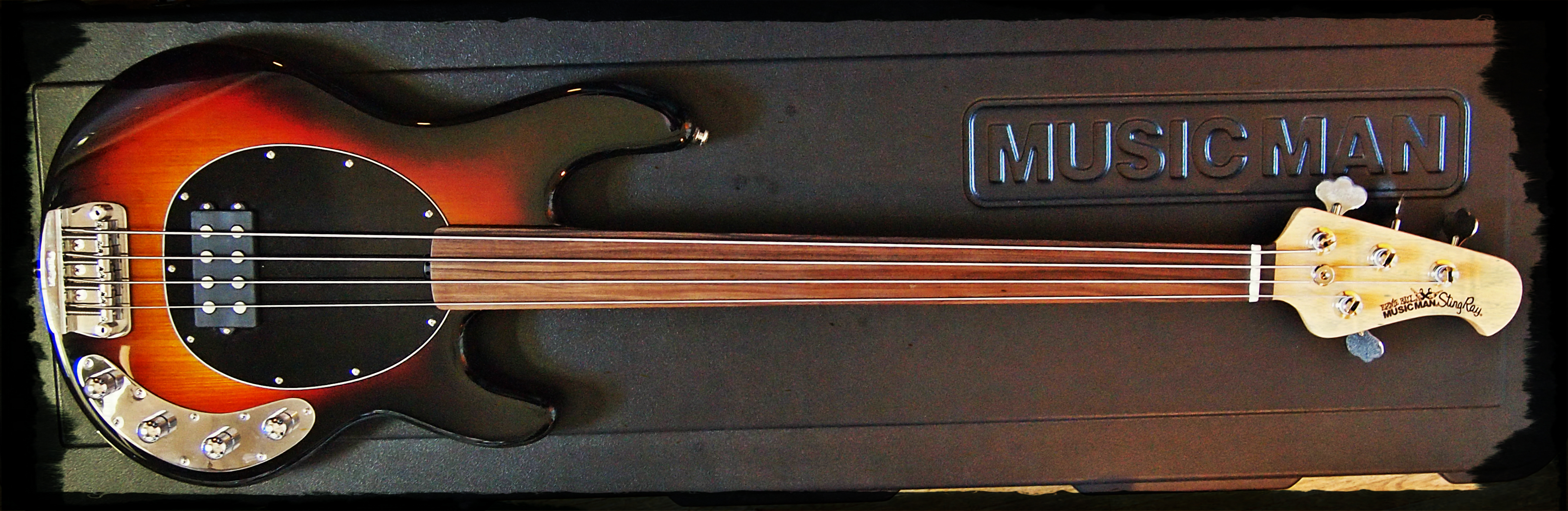 Musicman Stingray Fretless